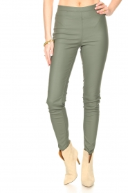 Knit-ted |  Faux leather legging Amber | green  | Picture 4
