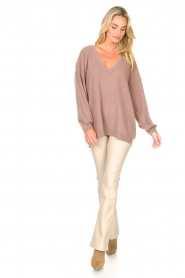 Knit-ted :  Faux leather flared legging Afke | beige - img2