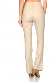 Knit-ted :  Faux leather flared legging Afke | beige - img6