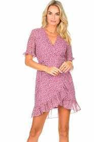 Freebird |  Wrapped dress with print Rosy | pink  | Picture 4
