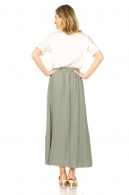 Knit-ted |   Maxi skirt with pockets Rosita | green  | Picture 7