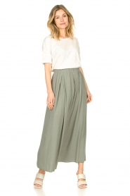 Knit-ted |   Maxi skirt with pockets Rosita | green  | Picture 2