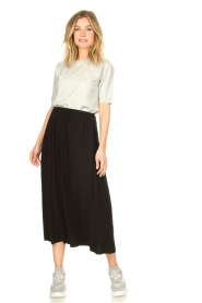 Knit-ted |  Maxi skirt with pockets Rosita | black  | Picture 2