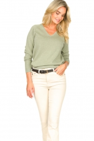 Knit-ted |  Basic sweater with lurex Dahlia | green  | Picture 5