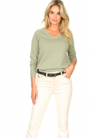 Knit-ted |  Basic sweater with lurex Dahlia | green  | Picture 2