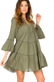 Devotion |  Cotton dress with ruffles Hague | green  | Picture 5