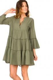 Devotion |  Cotton dress with ruffles Hague | green  | Picture 2