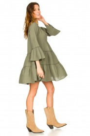 Devotion |  Cotton dress with ruffles Hague | green  | Picture 3