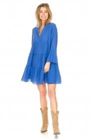 Devotion |  Cotton dress with ruffles Rosaline | blue  | Picture 3