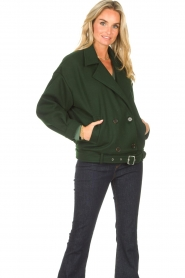 CHPTR S |  Short jacket with belt Final | green  | Picture 4