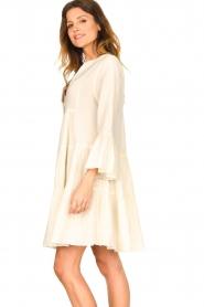 Devotion | Katoenen jurk met ruches Rosaline | naturel: Cotton dress with r  | Picture 6
