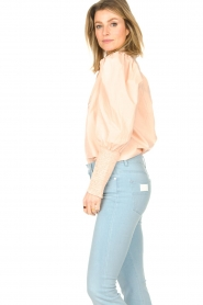 Sofie Schnoor |  Cotton blouse with puff sleeves Marie | pink  | Picture 5
