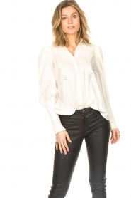 Sofie Schnoor |  Blouse with puff sleeves Marie | white  | Picture 4