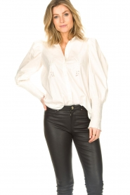 Sofie Schnoor |  Blouse with puff sleeves Marie | white  | Picture 5