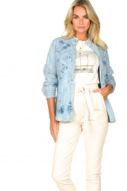 Sofie Schnoor |  Jeans blouse Silke | blue  | Picture 6