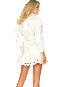 Silvian Heach |  Cotton dress with waist belt Kiuwa | white  | Picture 7