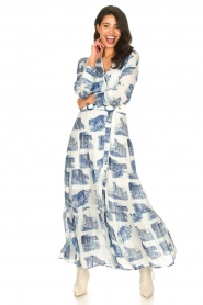 Silvian Heach |  Maxi dress with print Peakes | blue  | Picture 3