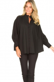 Silvian Heach |  Cotton oversized blouse with puff sleeves Wango | black  | Picture 4