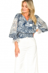 Silvian Heach    Top with broderie Millicent   blue    Picture 2