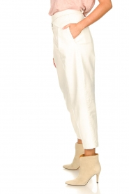 Silvian Heach |  Faux leather pants with balloon legs | white  | Picture 6