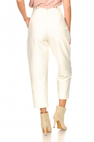 Silvian Heach |  Faux leather pants with balloon legs | white  | Picture 7
