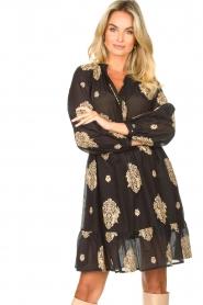 Silvian Heach |  Dress with ruffles Quintius | black  | Picture 4