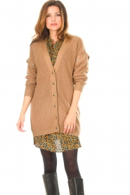 Liu Jo    Knitted cardigan with golden details Mirthe   camel    Picture 5