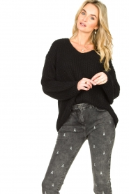 Set |  Chunky knitted sweater Saar | black  | Picture 4