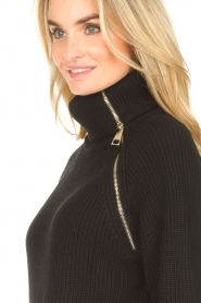 Liu Jo |  Knitted dress with zipper detail Pia | black  | Picture 9