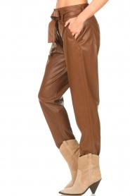 Liu Jo |  Faux leather paperbag pants Lia | brown  | Picture 5