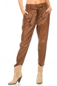 Liu Jo |  Faux leather paperbag pants Lia | brown  | Picture 4