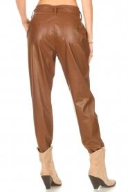 Liu Jo |  Faux leather paperbag pants Lia | brown  | Picture 6