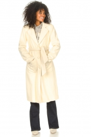 Liu Jo    Cloak coat with tie waist belt Joy   natural    Picture 4