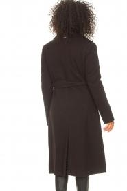 Liu Jo |  Cloak coat with tie waist belt Joy | black  | Picture 6