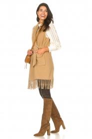 Liu Jo |  Woolen waistcoat with fringes Karla | camel  | Picture 4