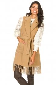 Liu Jo |  Woolen waistcoat with fringes Karla | camel  | Picture 5