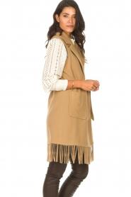 Liu Jo |  Woolen waistcoat with fringes Karla | camel  | Picture 7