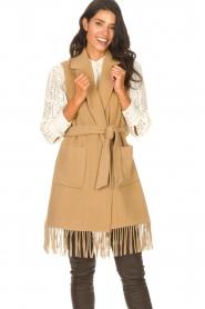 Liu Jo |  Woolen waistcoat with fringes Karla | camel  | Picture 6