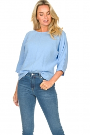 JC Sophie |  Cotton blouse with creased effect Gilda | blue  | Picture 2