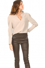 Dante 6 |  Top with v-neck Avedon | beige  | Picture 5