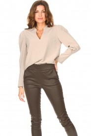 Dante 6 |  Top with v-neck Avedon | beige  | Picture 2