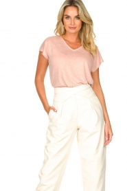 Blaumax |  Linen v-necked T-shirt Fine | pink  | Picture 2