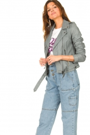 STUDIO AR |  Leather biker jacket with belt Kourtney | grey  | Picture 5
