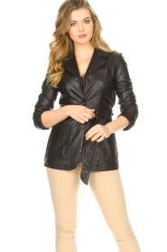 STUDIO AR BY ARMA |  Leather blazer with belt Nora | black  | Picture 2