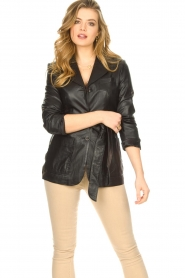 STUDIO AR BY ARMA |  Leather blazer with belt Nora | black  | Picture 4