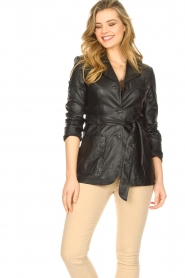 STUDIO AR BY ARMA |  Leather blazer with belt Nora | black  | Picture 5