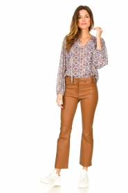 STUDIO AR BY ARMA |  Stretch leather kick flare pants Eva | camel  | Picture 3