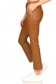 STUDIO AR BY ARMA |  Stretch leather kick flare pants Eva | camel  | Picture 6
