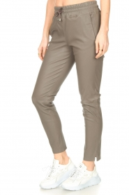 STUDIO AR BY ARMA    Lamb leather stretch jogger Naomi   grey    Picture 6