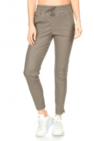 STUDIO AR BY ARMA    Lamb leather stretch jogger Naomi   grey    Picture 4